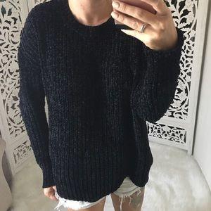 Sweaters - 🆕 POP Chenille Scallop Hem Pullover Sweater